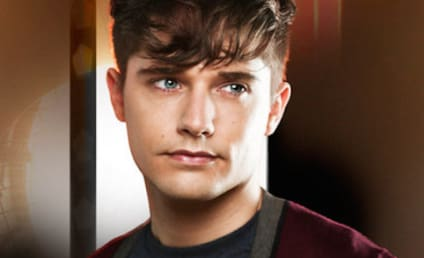 Andy Mientus Cast as Openly Gay Villain on The Flash