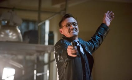 Arrow Review: Worlds Collide