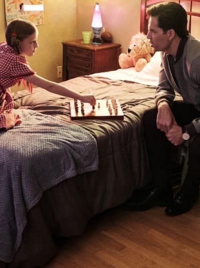 Unfriendly Game of Chess - SurrealEstate Season 1 Episode 2