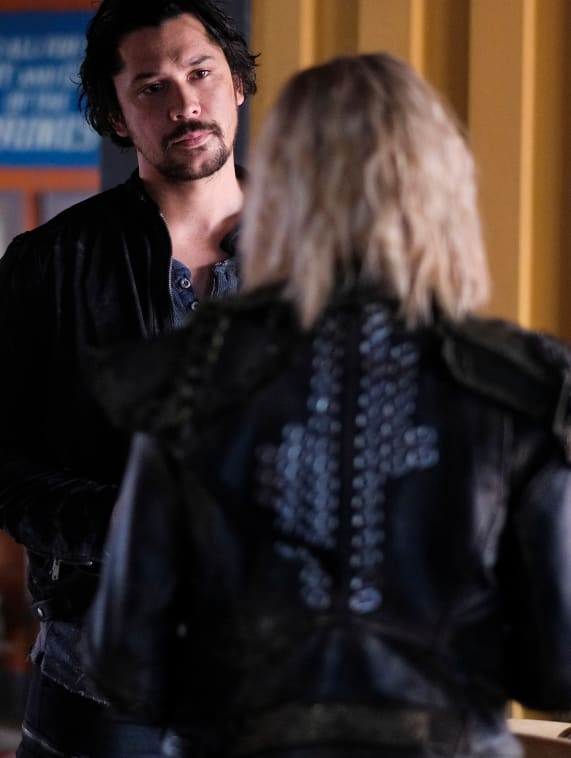 Bellamy and Clarke Finally Talk - The 100 Season 6 Episode 2