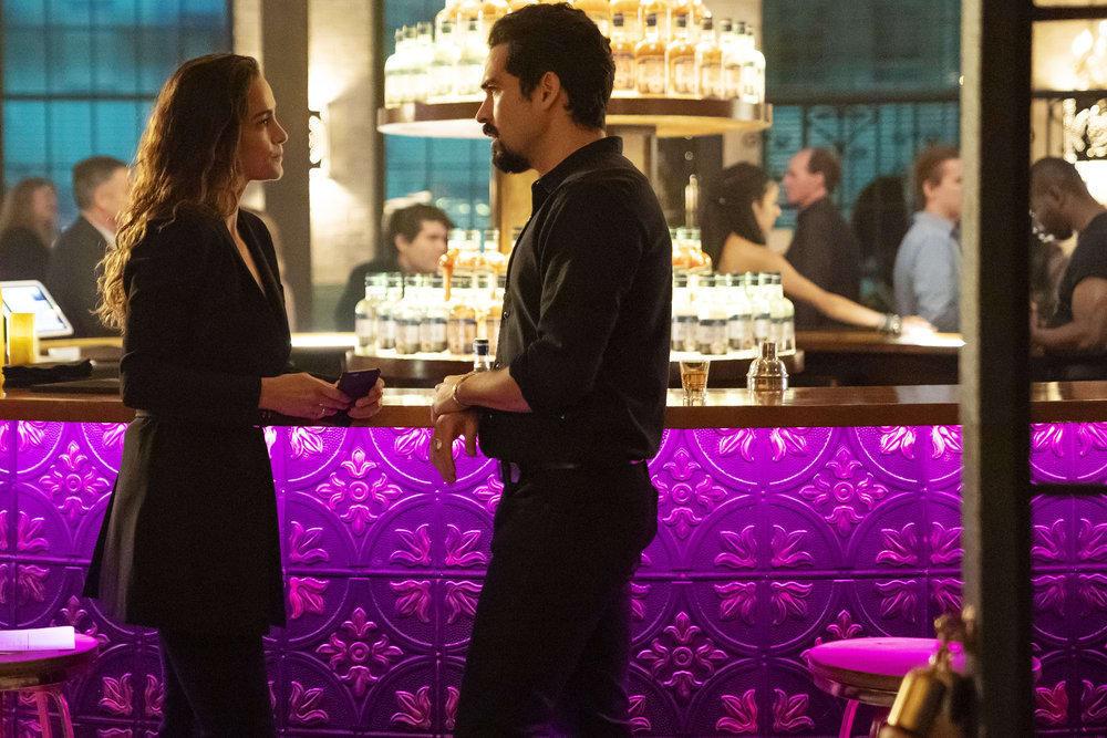 Queen Of The South Season 4 Episode 3 Review Hospitalidad Sureu00f1a Tv Fanatic