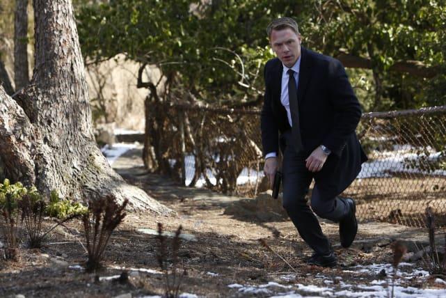 Ressler goes for the sneak attack - The Blacklist Season 4 Episode 19