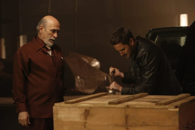 What's in the Box? - The Blacklist: Redemption Season 1 Episode 2