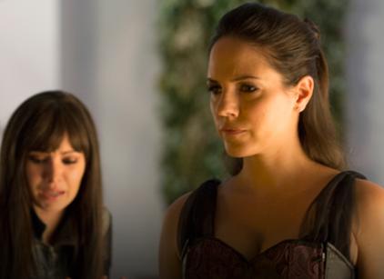 Watch Lost Girl Season 4 Episode 4 Online