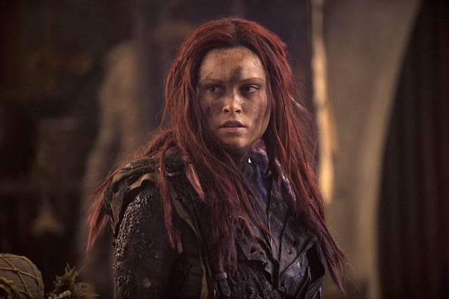 Clarke's New Look - The 100 Season 3 Episode 1