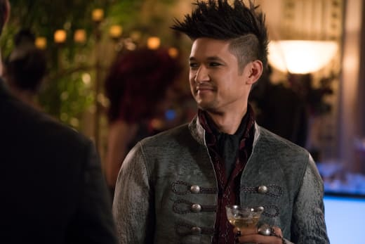 Life Of The Party - Shadowhunters Season 3 Episode 2