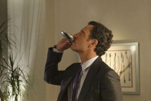 Fitz Needs a Drink - Scandal