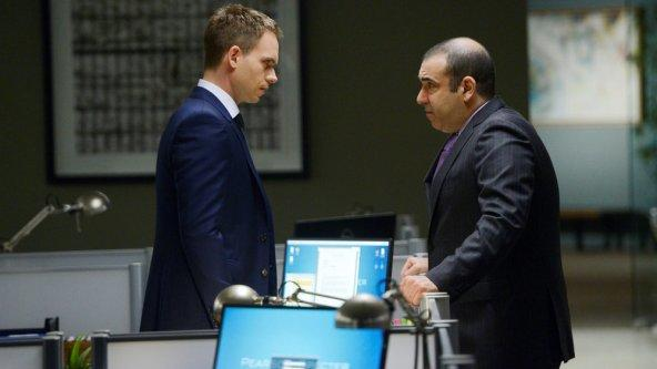 Confrontation on Suits