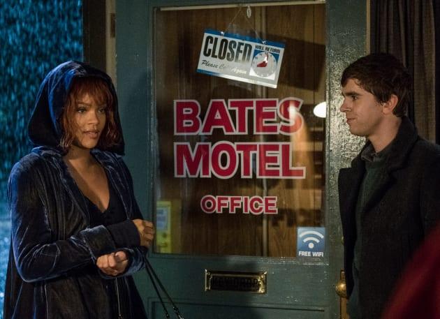 Rihanna Checks In - Bates Motel