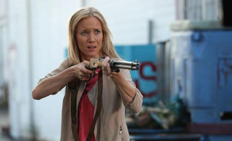 Cindy's Got a Gun - Once Upon a Time Season 6 Episode 3