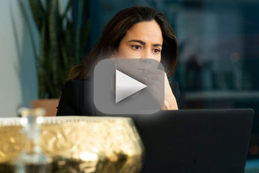 Watch Queen of the South Online: Season 4 Episode 1 - TV Fanatic