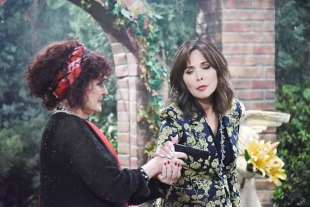 Kate Runs Into Vivian - Days of Our Lives