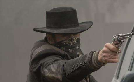 John Dorie Parties Like He's in the Wild West - Fear the Walking Dead Season 5 Episode 3