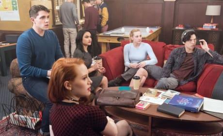 A Moment Of Shock - Riverdale Season 1 Episode 8