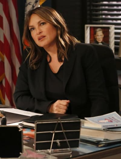 Benson in Charge - Law & Order: SVU Season 20 Episode 21