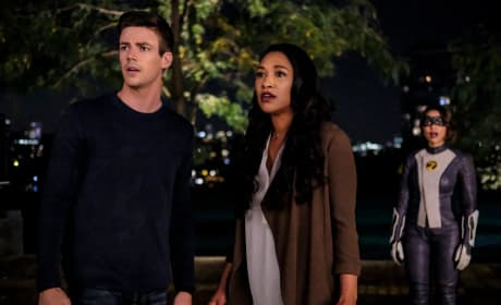 West Allen Family Shocked - The Flash Season 5 Episode 5