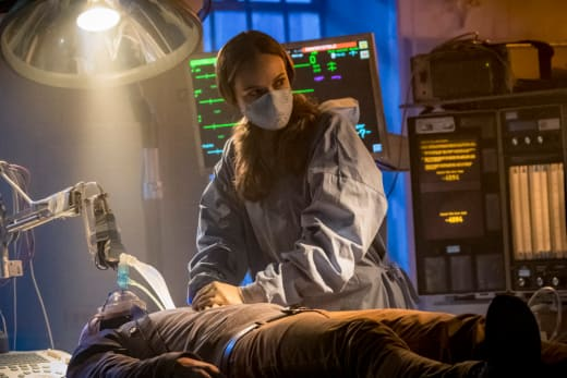 What Did Amunet Force Caitlin Into - The Flash Season 4 Episode 9