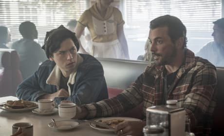 FP's Home - Riverdale Season 2 Episode 8