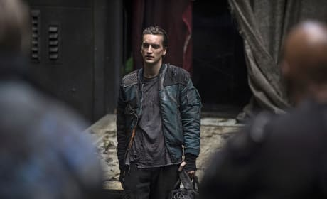 Murphy's Law - The 100 Season 2 Episode 10