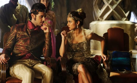Plotting from the Throne - The Magicians Season 2 Episode 6
