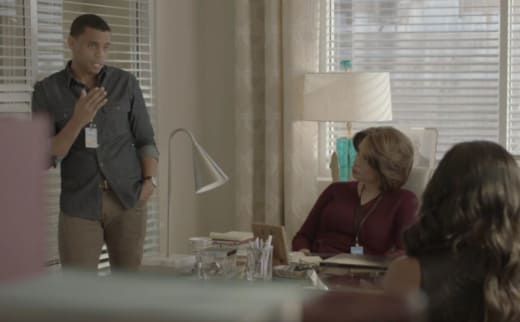 Justin Feigns Concern - Being Mary Jane Season 4 Episode 4