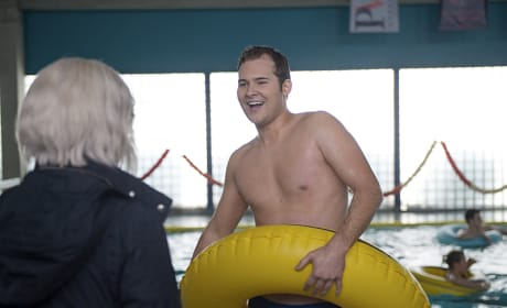 Swim Class Hero - iZombie Season 2 Episode 17