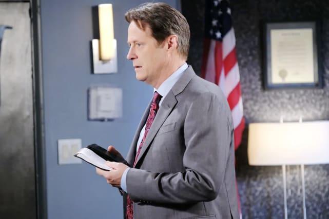Jennifer tells Jack about the diary.