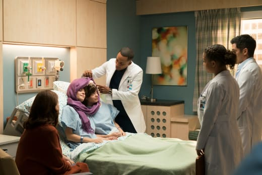conjoined twins doctor team - The Good Doctor Season 1 Episode 11