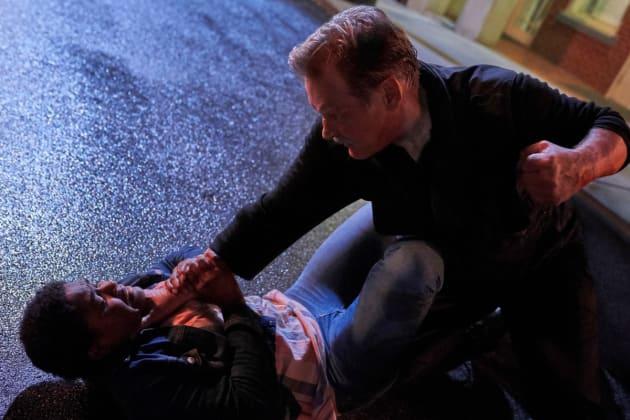 Fist Fight - Black Lightning Season 2 Episode 4