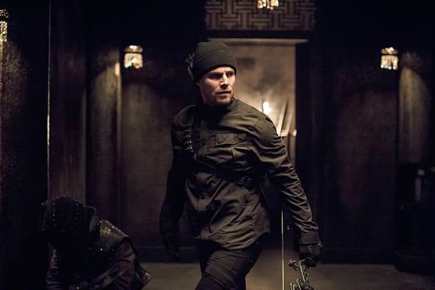 On the Move - Arrow Season 3 Episode 15