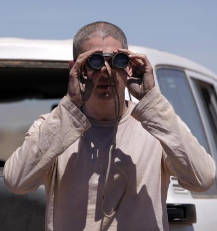 Michael Needs a Way Out - Prison Break Season 5 Episode 6