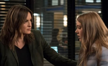 Providing Comfort - Law & Order: SVU Season 20 Episode 20
