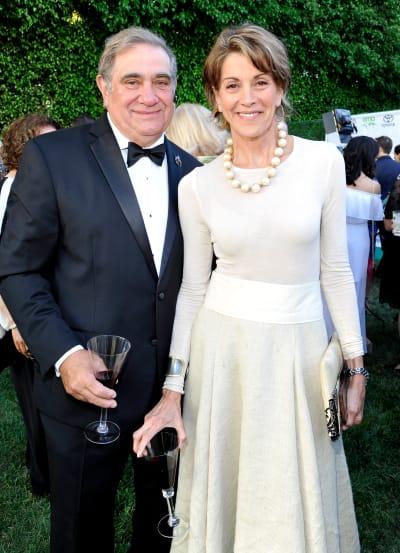 Dan Lauria and Wendy Malick
