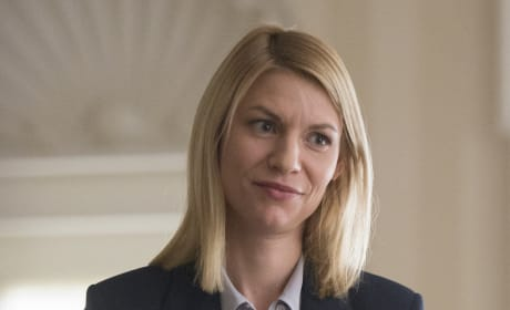 Carrie Wearing a Badge - Homeland