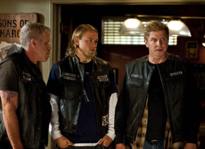 Watch Sons of Anarchy S03E09 Season 3 Episode 9