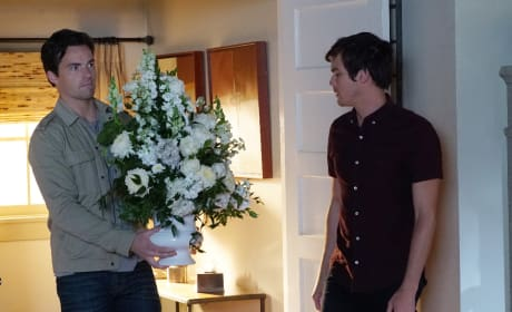 Flower Power - Pretty Little Liars Season 7 Episode 2