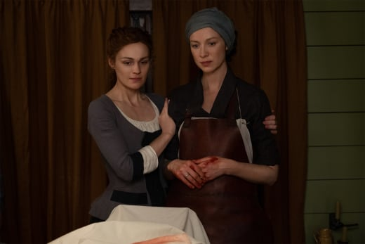 Brianna and Claire Get to Work - Outlander