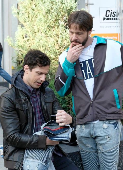 Counterfeit Goods - Brooklyn Nine-Nine Season 6 Episode 10
