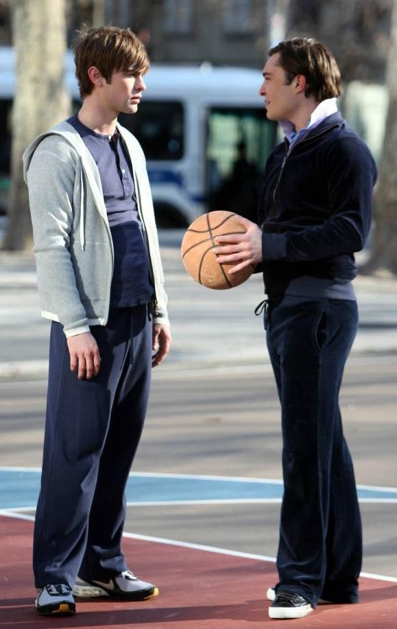 Ed Westwick, Chace Crawford Hoop it Up - TV Fanatic