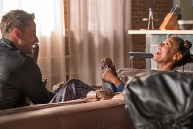 Moving In  - This Is Us Season 3 Episode 10