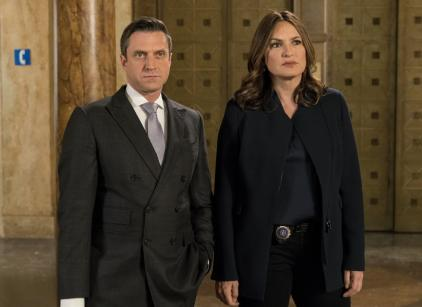 Watch Law & Order: SVU Season 18 Episode 19 Online