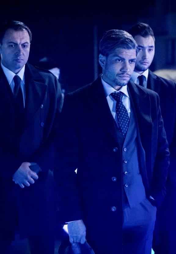 Flanked - Arrow Season 7 Episode 16