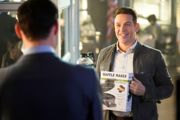 Waffle Iron - Lucifer Season 3 Episode 22