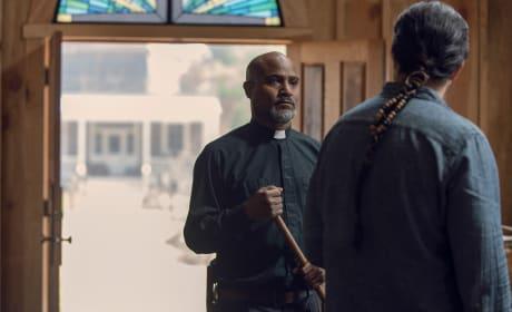 Awkward Moment - The Walking Dead Season 9 Episode 12