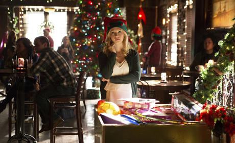 Caroline the Scrooge? - The Vampire Diaries