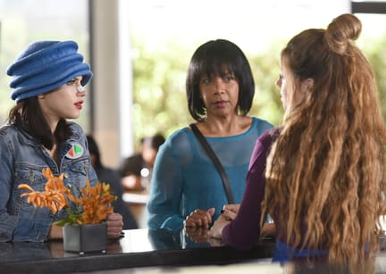 Chatting up the Locals - The Orville Season 1 Episode 7