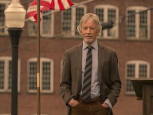 Dennis Arrives at Shawshank - Castle Rock Season 1 Episode 4
