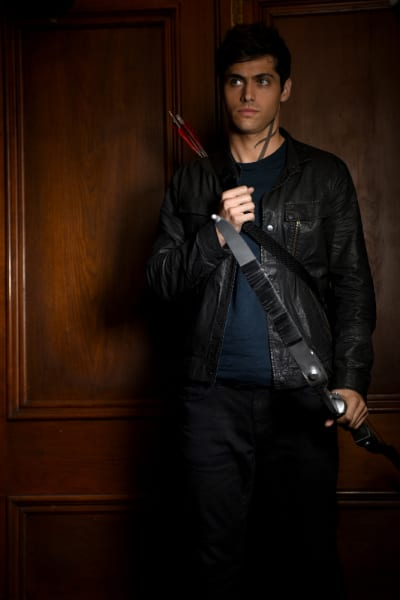 Armed and Ready - Shadowhunters Season 2 Episode 5
