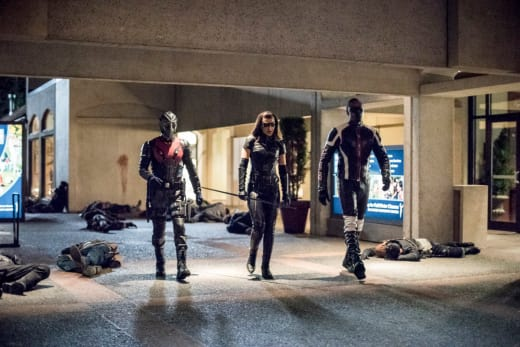 Team Canary Coming Right At You - Arrow Season 6 Episode 11