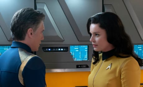 Pike and Number One - Star Trek: Discovery Season 2 Episode 4
